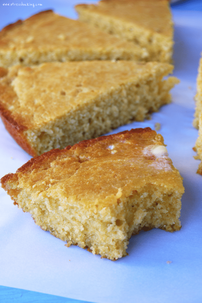 Skillet Cornbread: No mixer required! Easy cornbread so good it doesn't even NEED to be served with butter! | stressbaking.com