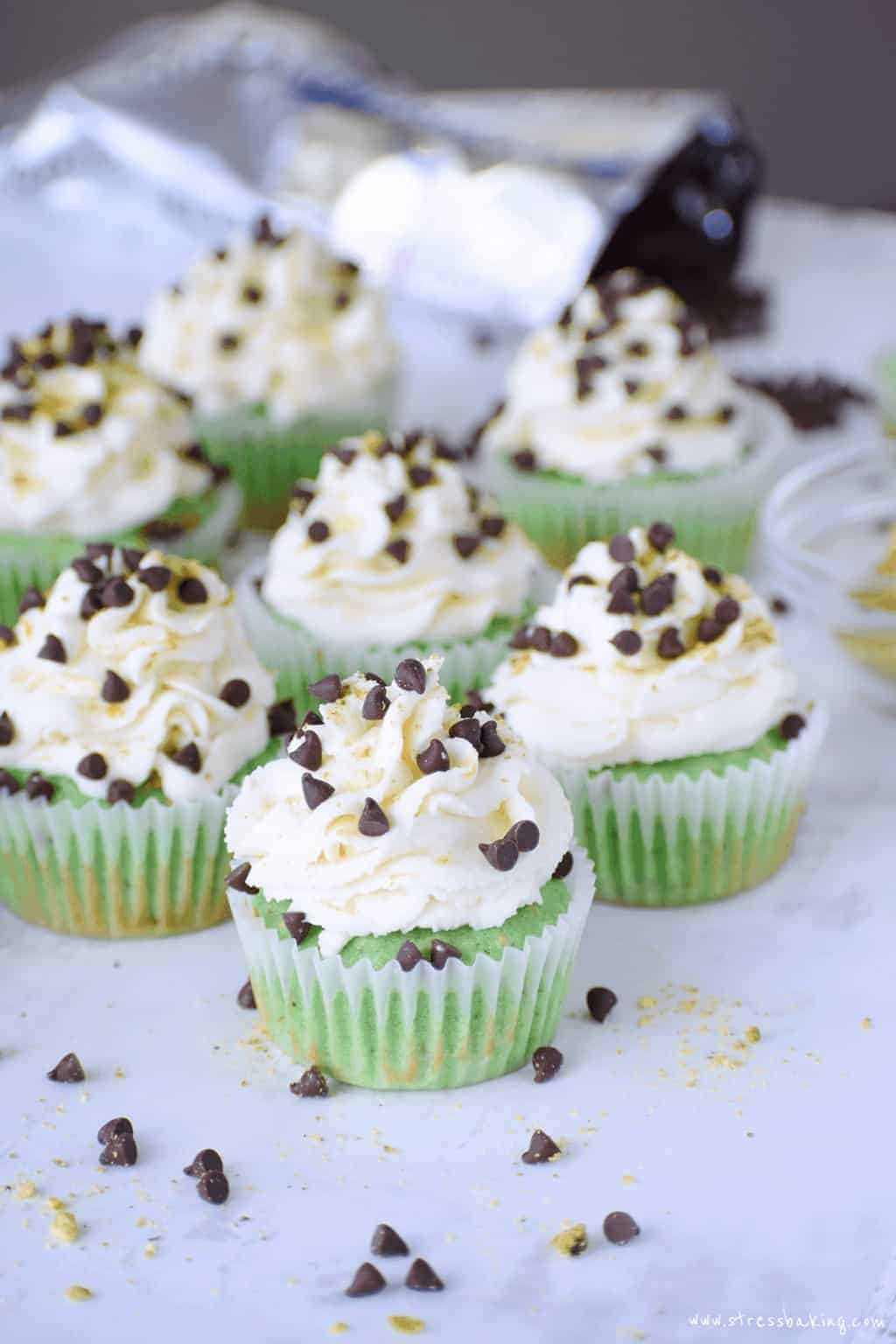 Pistachio cupcakes with cannoli frosting