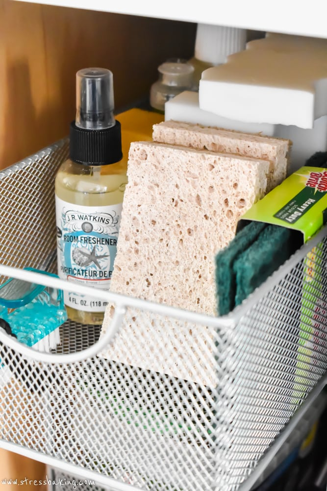 Sponges and kitchen cleaning supplies