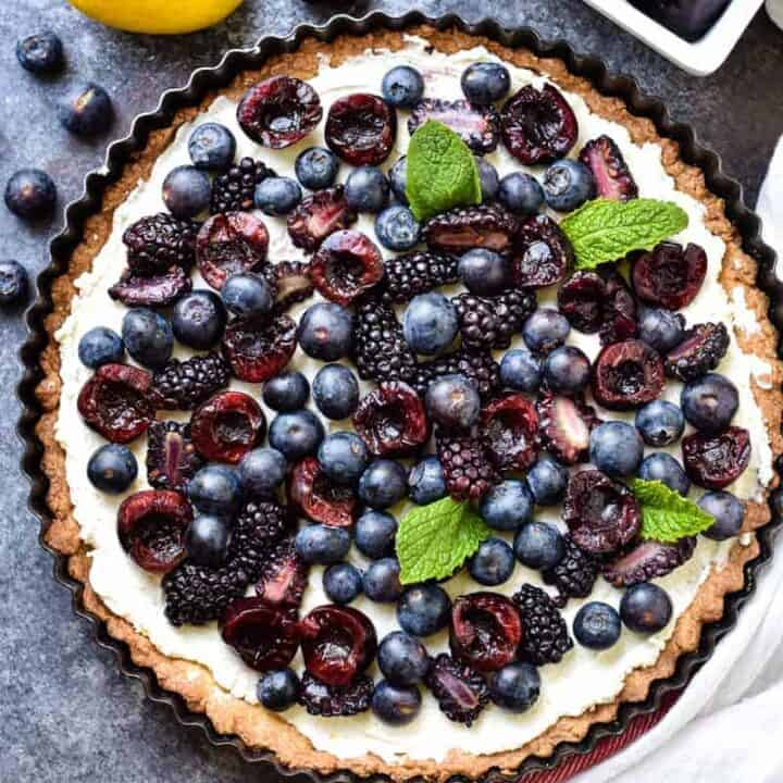 Overhead shot of a beautiful colorful fruit tart